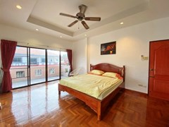 House for rent Jomtien showing the second bedroom and balcony