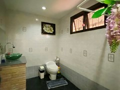 House for rent Jomtien showing the third bathroom