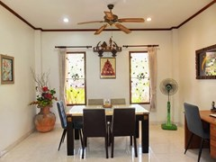 House for rent Bangsaray Pattaya showing the dining area