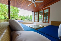 House for rent Pattaya showing the covered poolside terrace