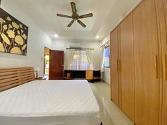 House for rent Pattaya showing the master bedroom with office area