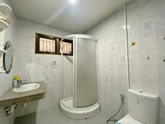 House for rent Pattaya showing the second bathroom