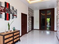 House for sale Huay Yai Pattaya showing the reception area