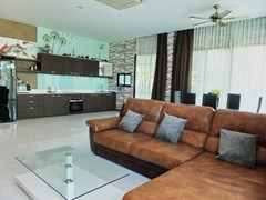 House for sale Huay Yai Pattaya showing the open plan concept