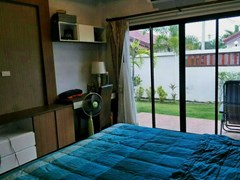 House for sale Huay Yai Pattaya showing the master bedroom with office area