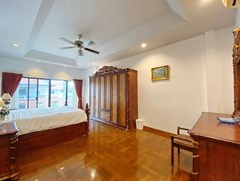 House for sale Jomtien showing the master bedroom and balcony