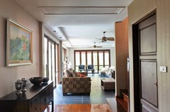 House for sale Jomtien showing the open plan concept