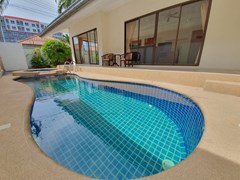 House for sale Jomtien showing the pool and terraces
