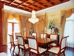 House for sale at Na Jomtien showing the dining area