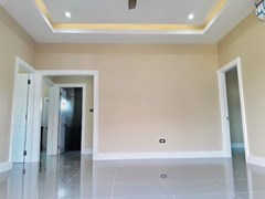 House for sale at Nongpalai Pattaya showing the open plan concept