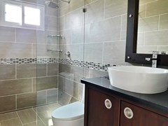 House for sale at Nongpalai Pattaya showing the third bathroom