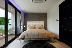 House for sale Pratumnak Hill Pattaya showing a bedroom