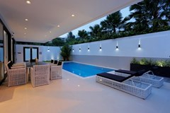 House for sale Pratumnak Hill Pattaya showing the covered terrace and pool