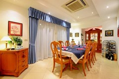 House for sale Siam Royal View Pattaya showing the dining room
