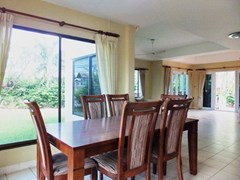 House for sale East Pattaya showing the dining area with garden view
