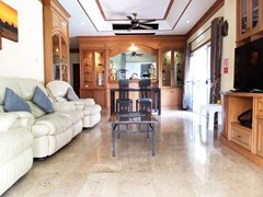 House for sale East Pattaya showing the open plan living area