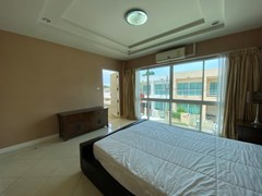 House for sale East Pattaya showing the third bedroom and balcony