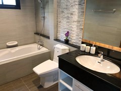 House for sale Huay Yai Pattaya showing the second bathroom