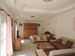 House for rent East Pattaya showing the guest house