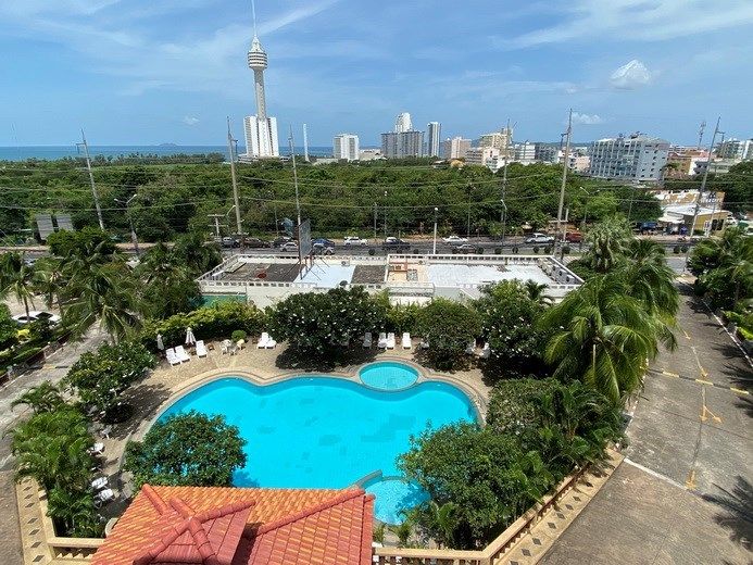 Condominium for rent Jomtien showing the pool view and sea view