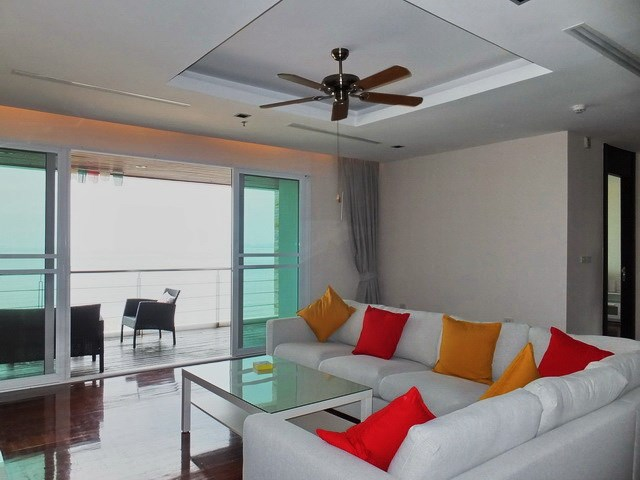 Condominium for rent Ananya Naklua showing the living area and balcony