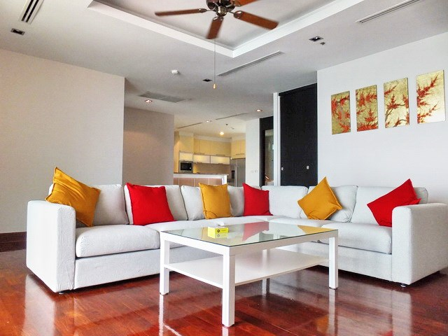 Condominium for rent Ananya Naklua showing the open plan concept