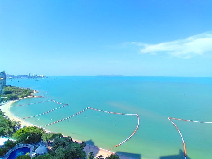 Condominium for rent Northpoint Pattaya showing the sea view