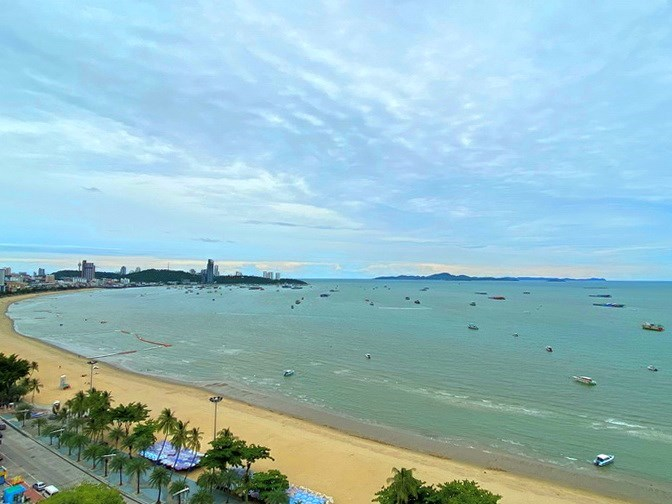 Condominium for rent in Northshore Pattaya Beach showing the sea view