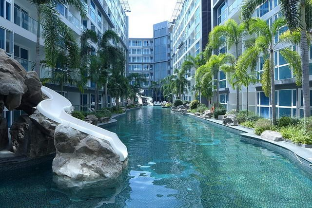 Condominium for Rent Pattaya showing the swimming pool