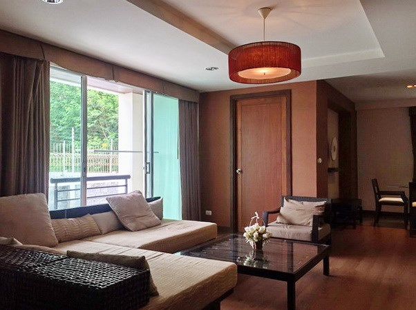 Condominium for sale Pattaya showing the living room