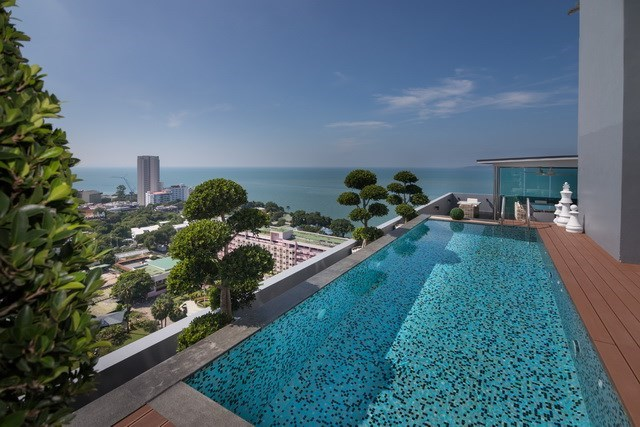 Condominium for sale Pratumnak Pattaya showing the private pool with sea view