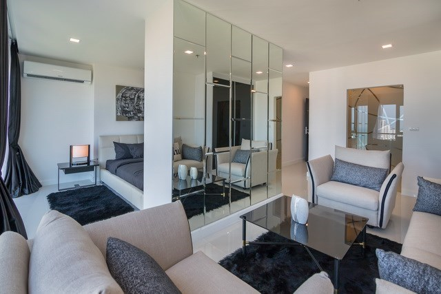 Condominium for sale Pratumnak Pattaya showing the second bedroom suite