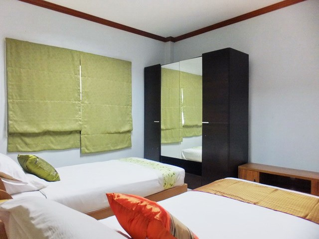 Golf Resort for sale Pattaya area showing Guest suite #4