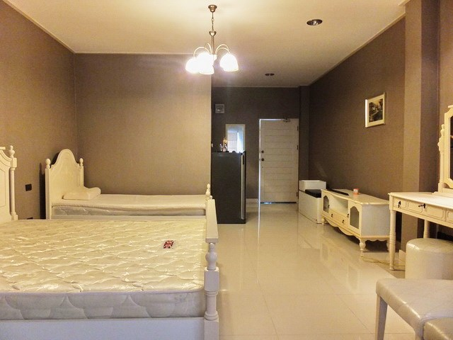 Golf Resort for sale Pattaya area showing Apartment #3