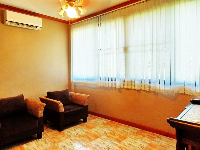 Golf Resort for sale Pattaya area showing Guest suite #3 living area
