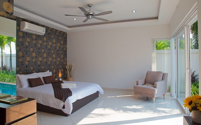 House For Sale Huay Yai showing the master bedroom