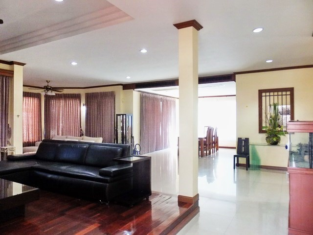 House for rent East Pattaya showing the open plan concept