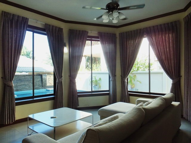 House for rent East Pattaya showing the second living area