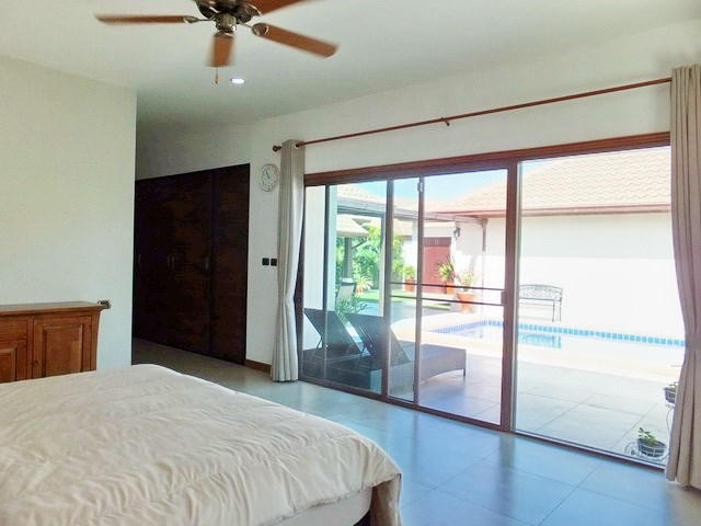 House for rent Huay Yai Pattaya showing the master bedroom with pool view