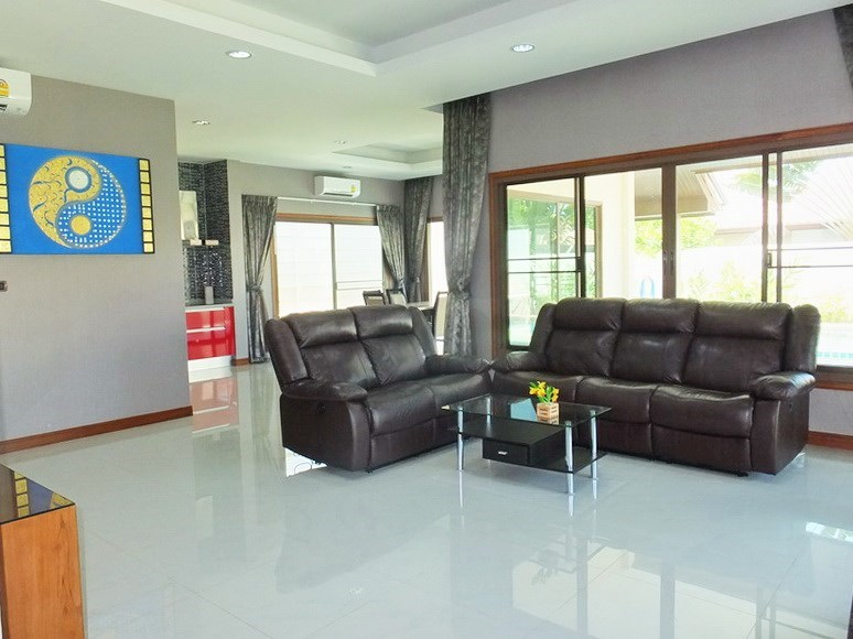 House for rent Huay Yai Pattaya showing the open plan concept