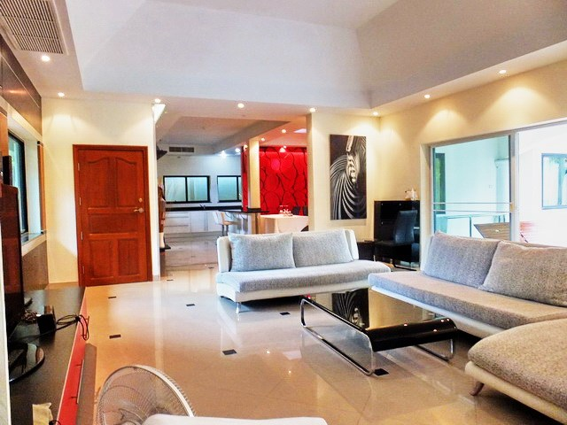 House For rent Jomtien Park Villas Pattaya showing the open plan concept