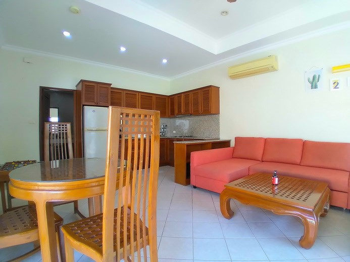 House for rent Jomtien showing the living, dining and kitchen areas