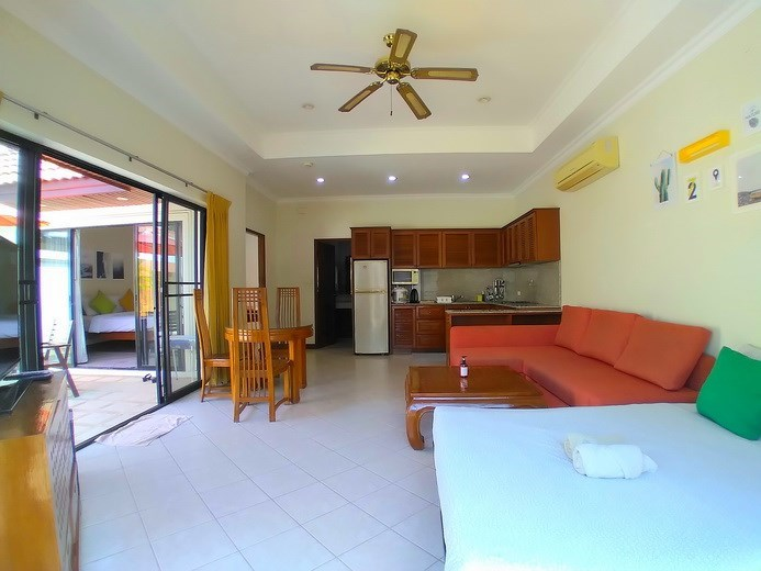 House for rent Jomtien showing the open plan concept