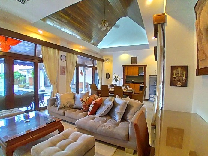 House for rent Mabprachan Pattaya showing the office and living areas