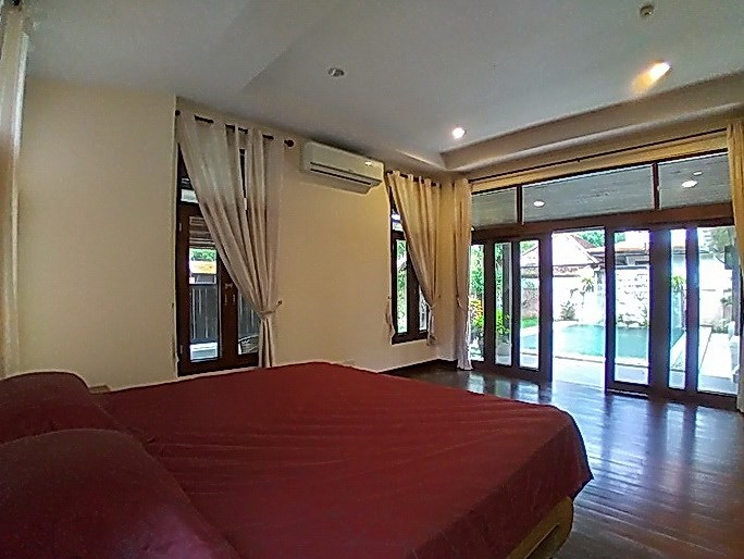 House for rent Mabprachan Pattaya showing the second bedroom pool view