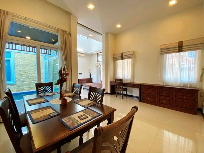 House for rent East Pattaya showing the dining and office areas
