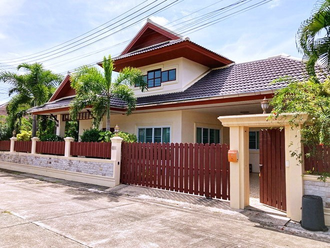 House for sale East Pattaya showing the house