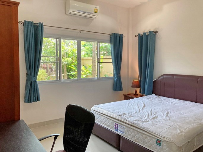 House for sale East Pattaya showing the second bedroom with office area