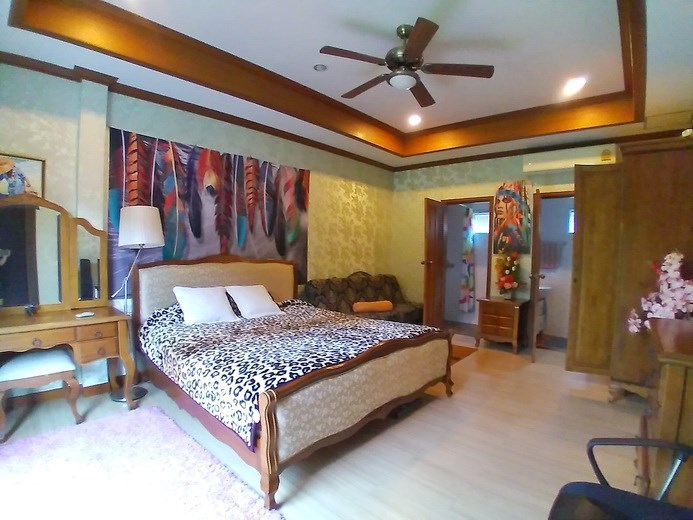 House for sale Huay Yai  Pattaya showing the fourth bedrooms suite