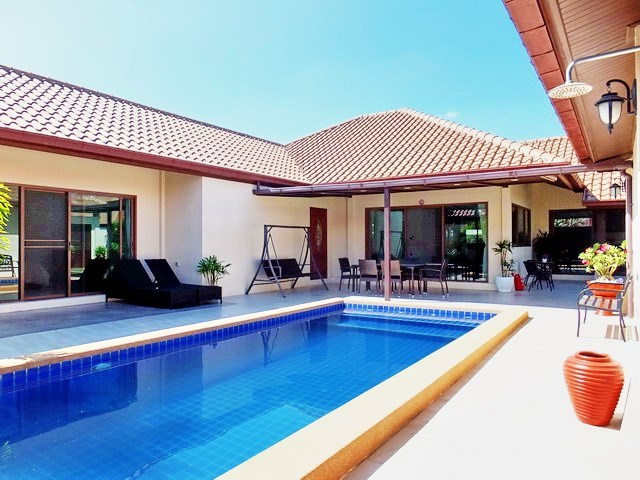 House For Sale Huay Yai Pattaya showing the house, terraces and private swimming pool